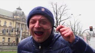 Dumbest smile / Najgłupszy śmiech - Myszka.TV