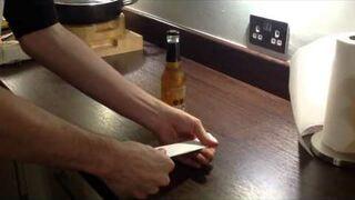 Otwieracz do piwa z kartki papieru?