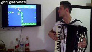 Super Mario z soundtrackiem zagranym na akordeonie