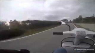 Skuter vs Yamaha XJ6