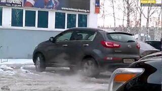 Rosjanka próbowała wyjechać z parkingu