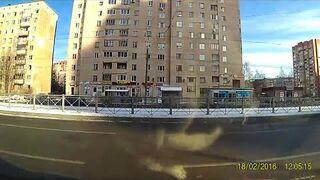 Przejazd przez tory na kursie jazdy w Rosji!