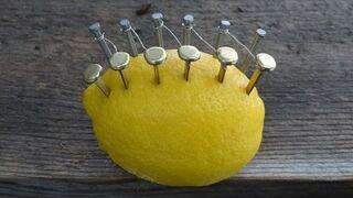 Jak rozpalićognisko cytryną?