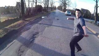 Łódź: Agresywne zachowanie na drodze, chcieli pobićrowerzystę!
