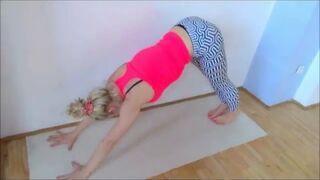 Joanna Kołyszko - Tomasik - Give Yoga