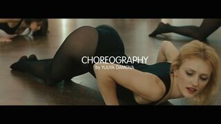 Choreografia Yuliya DAMOVA. Pole dance, plastika taśmy