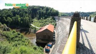 Jak działają dawne i współczesne elektrownie wodne.