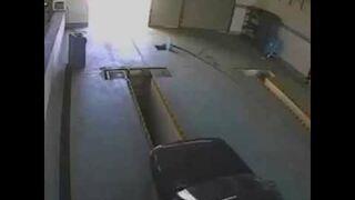 Pchanie samochodu przez warsztat