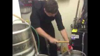 Jak nie otwierać beczki z piwem
