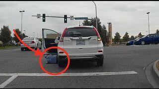 Przejechała sama siebie na skrzyżowaniu