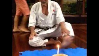 Jak karateka na emeryturze zdmuchuje świeczkę