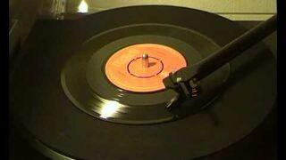 """Piosenka """"Jolene"""" Dolly Parton puszczona na gramofonie w zwolnionym tempie"""