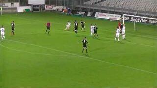 Niezwykły karny w meczu Vannes OC - TA Rennes (5 liga Francja)