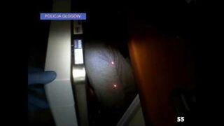 Poszukiwany ukrył się w… zmywarce do naczyń – zatrzymany przez policjantów trafił do zakładu karnego