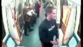 Szaleniec z nożem w metrze