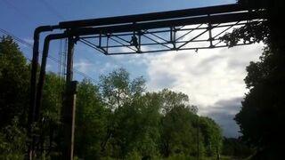 Rosjanin robił selfie i spadł na trakcję kolejową