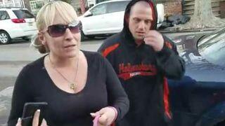 Zmusił kobietę do posprzątania kupy po chihuahua ręką