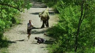 Prank: Dinozaur w lesie