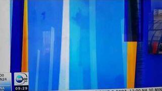 Prezenter dostał głupawki na żywo w TVN24