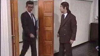 Stary dobry japoński skecz z drzwiami