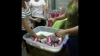 Jak Chińczycy podrabiają piwo Budweiser