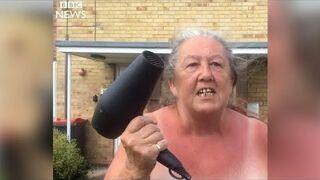Babcia trolluje piratów drogowych suszarką do włosów