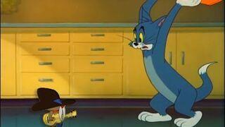 Tom próbuje uciec przed piosenką DESPACITO