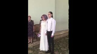 Kiedy były chłopak przychodzi na ślub