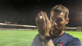 Trener z Exeter City w magiczny sposób wyłącza oświetlenie na stadionie