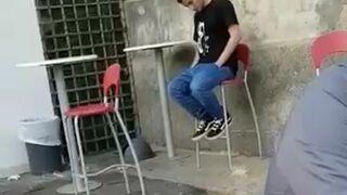 Bardzo bolesny upadek z krzesła