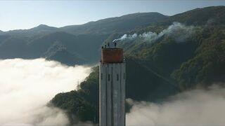 Polacy weszli na najwyższy komin w Europie