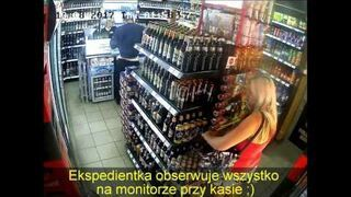 Blondynka przyłapana na kradzieży piwa