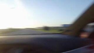 Pojedynek BMW vs Tesla, z niespodzianką