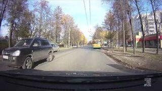 Potrącona kobieta przez samochód. To co zrobiła później zaskakuje