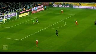 Bramkarz Bundesligi pomylił piłkę z kropką do rzutów karnych