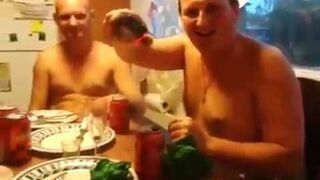 Zabawa paralizatorem po alkoholu