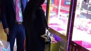 Kiedy automat do wyjmowania zabawek jest zepsuty...