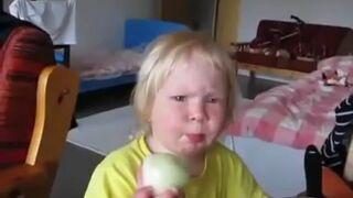 Kiedy pomylisz jabłko z cebulą ale głupio ci się przyznać
