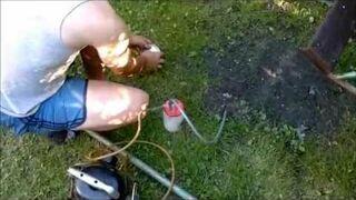 Skuteczny sposób na kreta - boom karbid mole