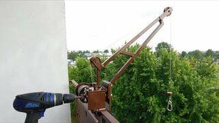 Mini dźwig balkonowy do wciągania zakupów