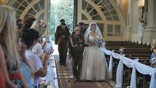 94-letni powstaniec poprowadził wnuczkę do ślubu. Przygotujcie chusteczki