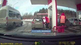 Tak pracownicy stacji benzynowej kradną ludziom paliwo