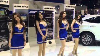 Japonki tańczą na pokazie sprzętu Alipy