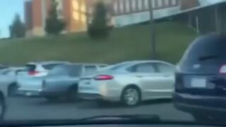 Zacięta walka o miejsce parkingowe