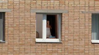 Niezłe zbliżenie na sąsiadkę
