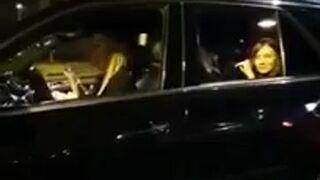 Jak ludzie bawią się w Mercedesach