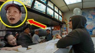 Biały człowiek składa zamówienie w języku Chiński. Sprzedawcy zaskoczeni!
