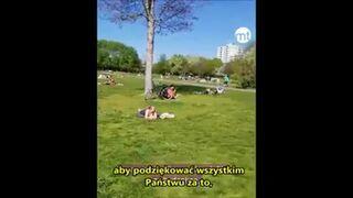 Niemiecka policja zaapelowała do ludzi w parku