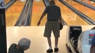 Dziadek na kręgielni zaskoczył wszystkich