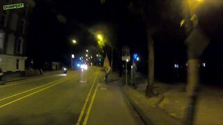 Jechał rowerem zapatrzony w telefon
